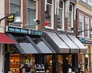 twee winkelpuien aan de nieuwstad in leeuwarden