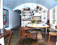 de 'molkenkelder' tot eetkeuken verbouwd