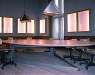 vergaderkamer 't nijenhuis' heino verlicht met vitrines