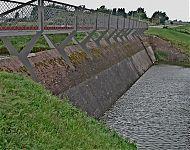 voetbrug over de beer hellevoetsluis